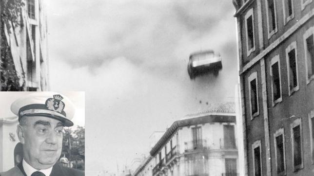 El coche de Carrero volando, nótese la poca potencia del explosivo usado...