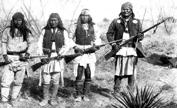 Banda de guerreros apaches