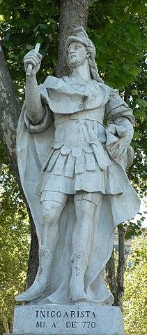 Estatua de Iñigo Arista en la Plaza de Oriente en Madrid