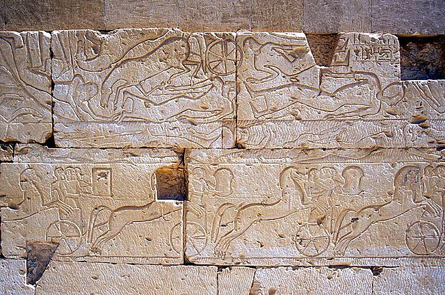 Relieves sobre la batalla de Qadesh en un templo
