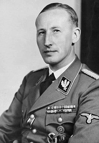 Heydrich con el uniforme nazi