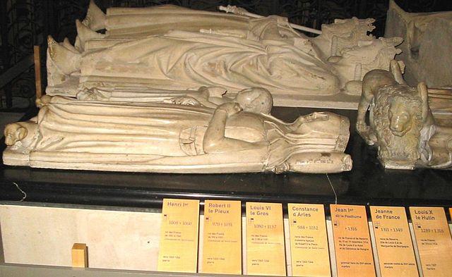Algunas de los reyes y reinas enterrados allí