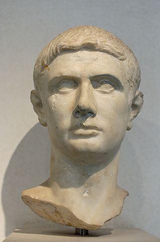 Busto de marmol de Bruto