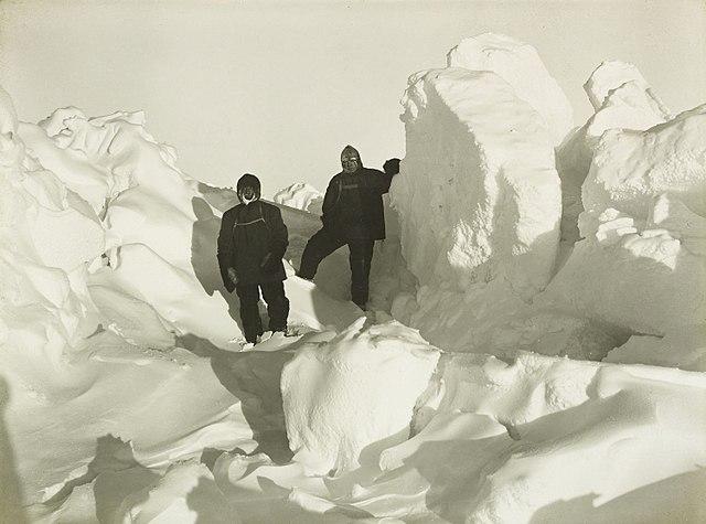 Shackelton y Wild en el hielo