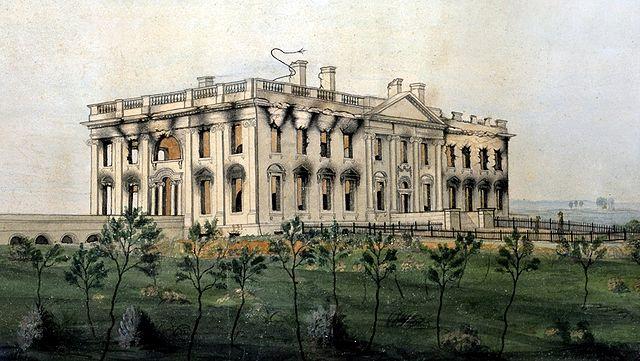 La Casa Blanca en ruinas tras el ataque