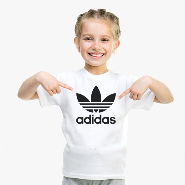 nina_adidas.jpg