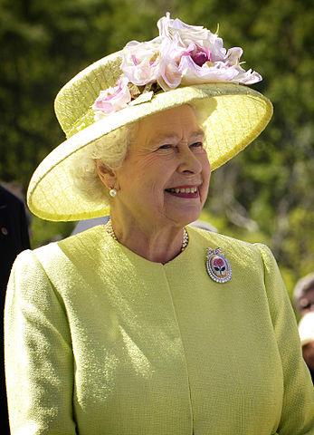 La reina seguro que no se rió mucho con la situación
