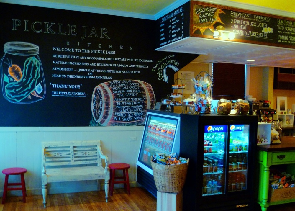 Bright cafe for comfort-food breakfast plus lunch & brunch drinks dished up in a historic building.