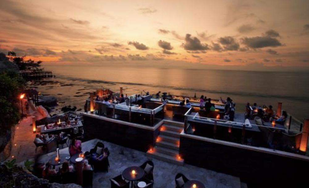 Ayana resort rock bar.png