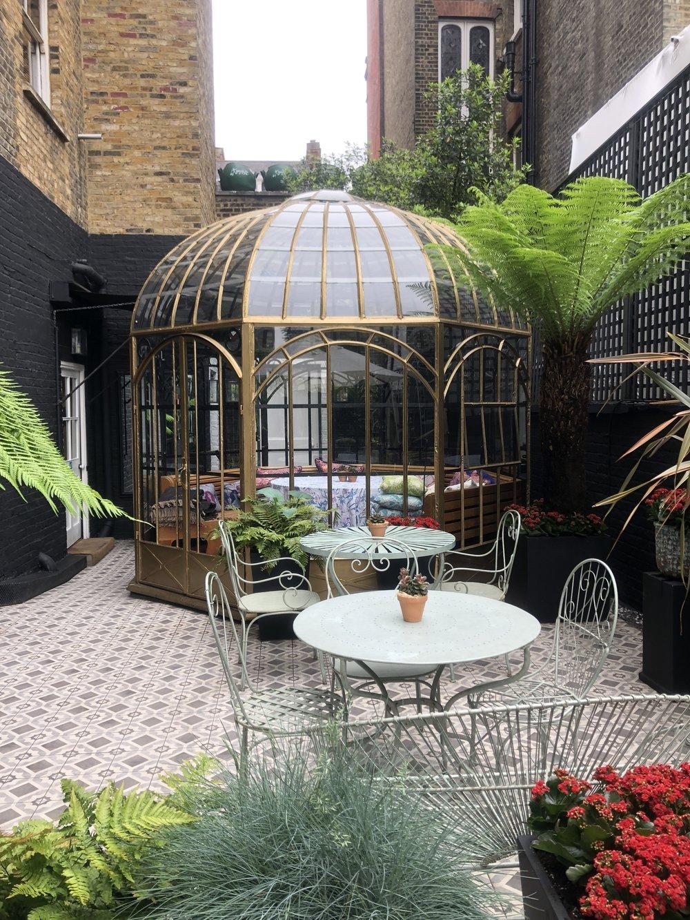blakes hotel london courtyard.JPG