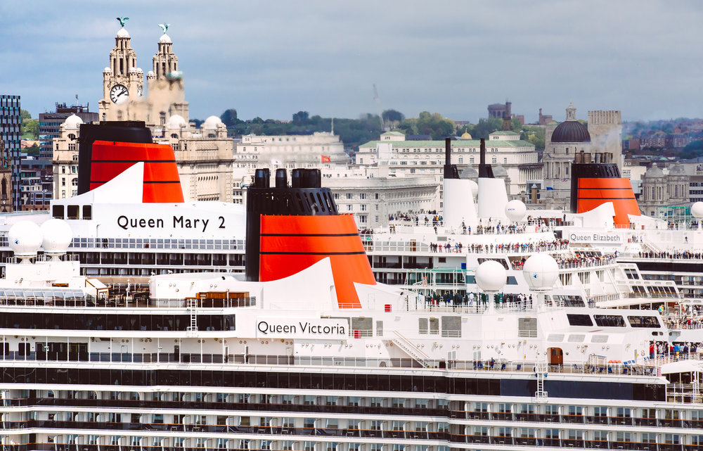 Three Queens and Liver Building.jpg