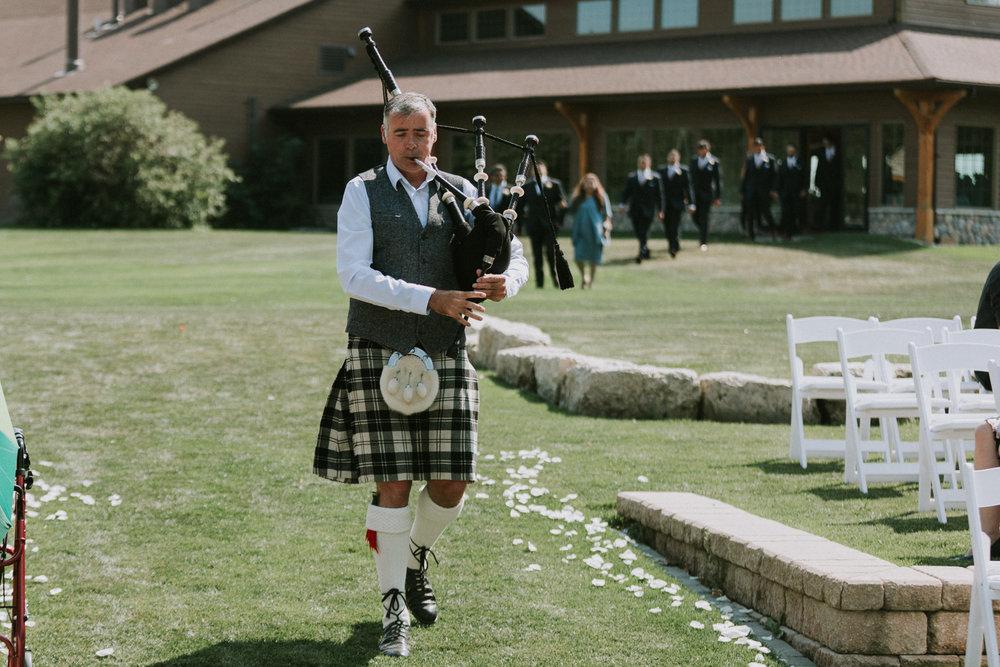 Bridge's-golf-club-wedding-winnipeg-33.jpg