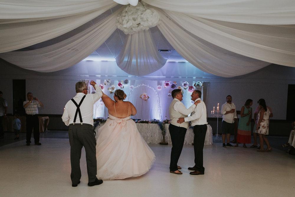 winnipeg-beach-wedding-103.jpg