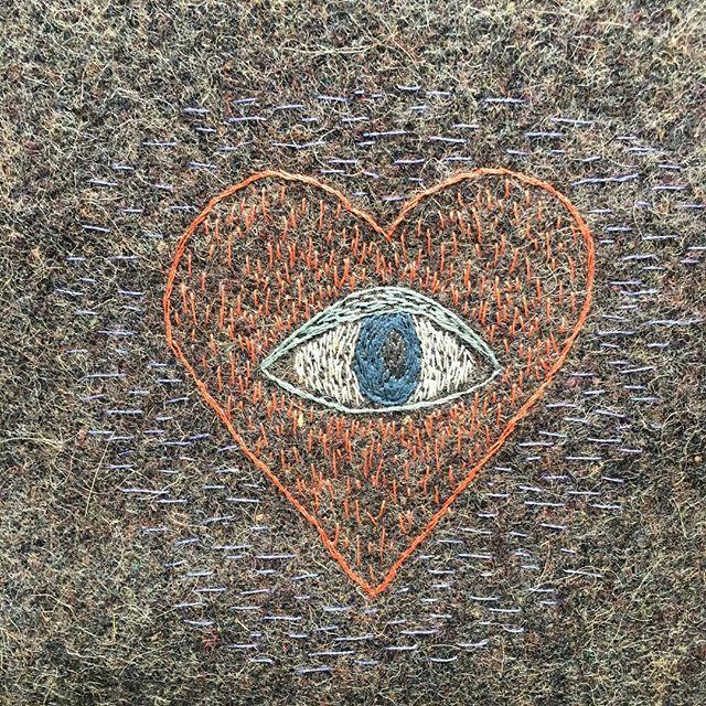 👁❤️ . . . #drawingsinthread #embroideryart #stichedheart #evileye #guard #heartagram #stichesintime  #motivatingmyself #fromthearchives