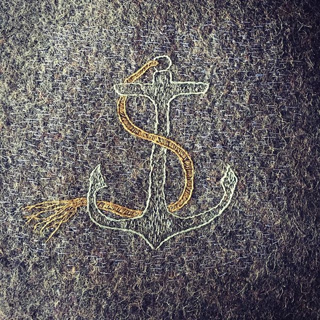 Anchoring on felt . . . #embroidery #felt #stiches #drawingsinthread #motivatingmyself #fromthearchives #embroideryart #anchor #needlework #annelarsson