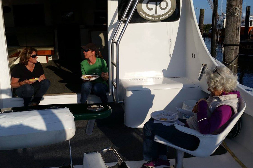 Lunch on the High return Sportfishing boat