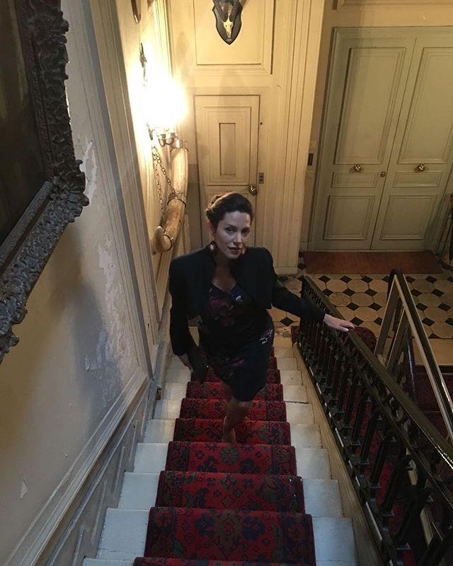 Privacy, the ultimate luxury 🙏 pic by my talented @robertoruspoli #noinstastories #notryingtoohard #meditation #alignment #memyselfandi #paris #chezmoi #astaircasetoheaven