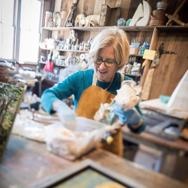 The love this artist has for her work radiates from her and her beautiful mosaics, sculptures, and lively assemblages. Jane Pettit Art. #loveshinesthrough #artistatwork #maryland #southmountain #inspiration
