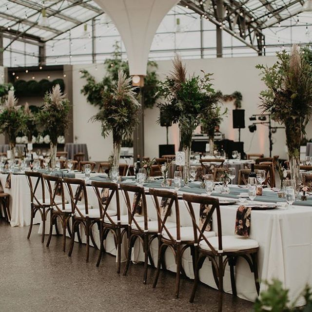 @blushmagazineca Aleksa + Tyler wanted a big, bright and airy venue that also felt intimate for the reception. The large trees and natural light in the Moonflower Room were simply perfect! This gorgeous wedding is now on the blog 🔝  Photo: @katch_studios  Venue: @eventsatholes  Floral: @fabloomosity + @floralstudioatholes  Rentals: @specialeventrentals @something_borrowed_ab @allwestwedding . . . #ido #engaged #blushmagazine #blushweddings #blushmagazineca #livecolorfully #petitejoys #thehappynow #nothingisordinary #thatsdarling #flashesofdelight #pursuepretty #shesaidyes #modernbride #weddinginspiration #weddingideas #weddingmagazine #weddingblog #married #albertawedding #yeg #yegwedding #weddingreceptiondecor #weddingreception #greenhouse #greenhousewedding
