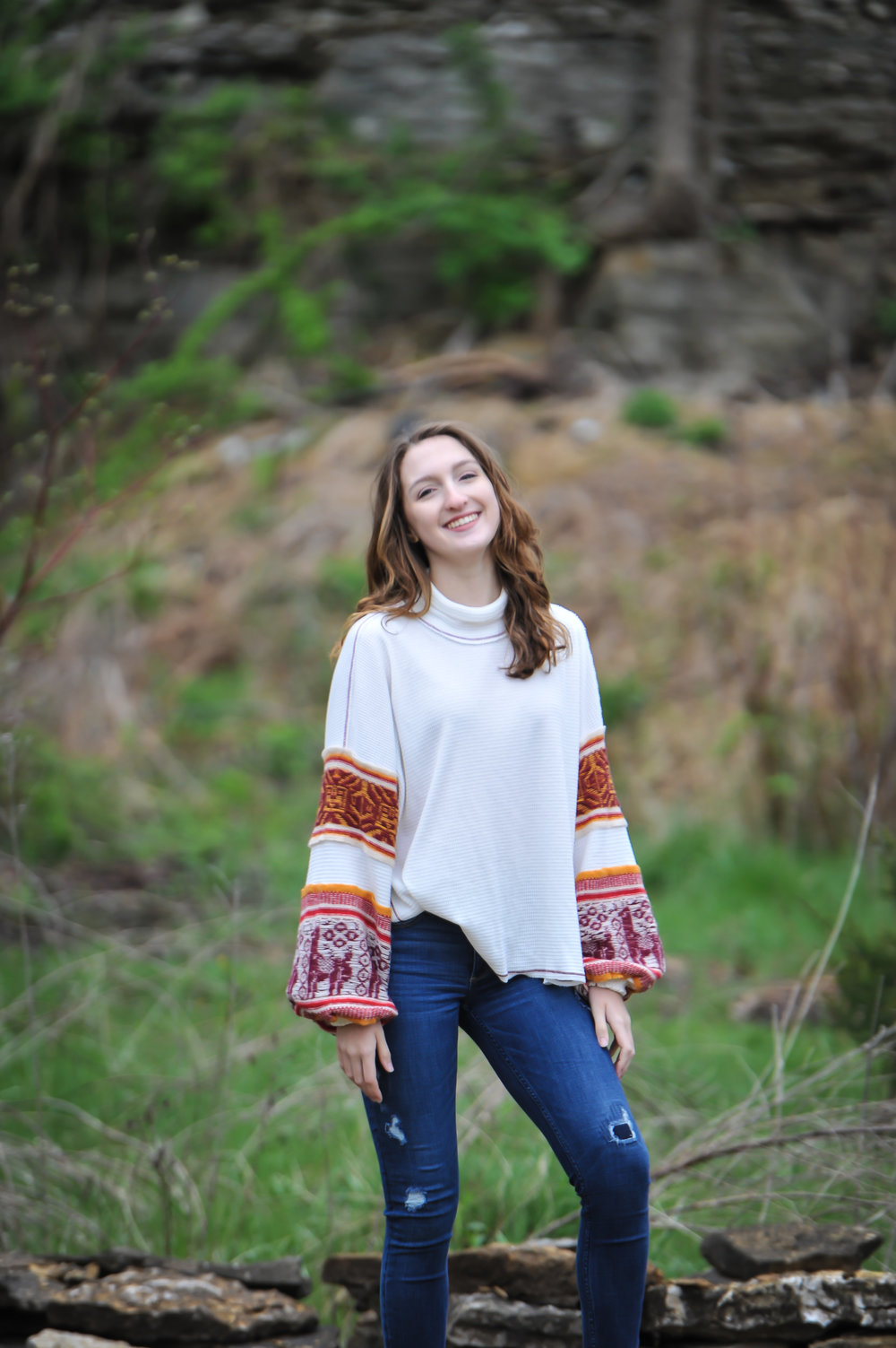 Name: Julia Dean Pronouns: she/her/hers Year: Sophomore Major: Cognitive Science Minor: Art & Design  Years on EnCore: 1 Fun Fact: I lived in England for a year!