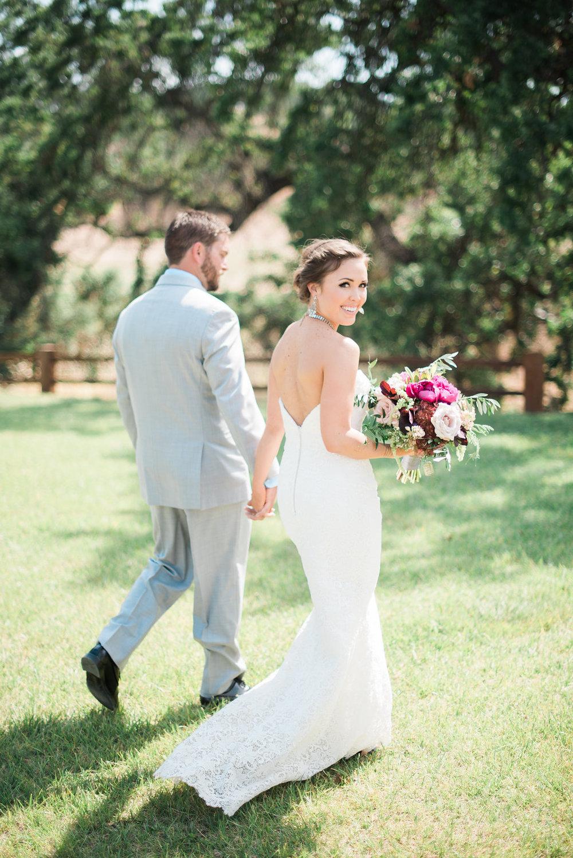 field-and-pond-wedding-00022.jpg