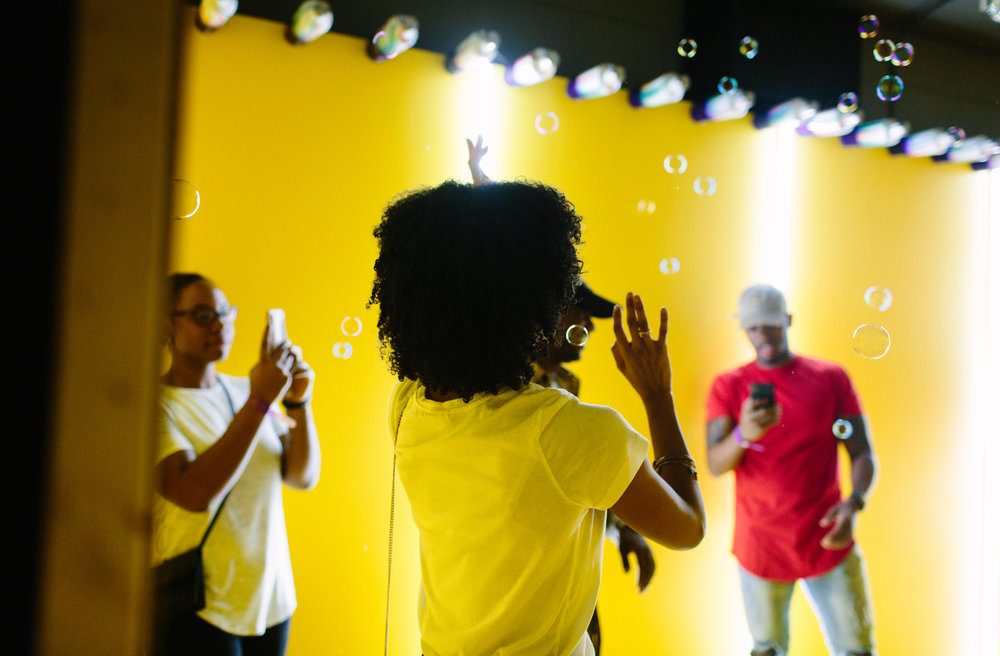 A room full of bubbles (photo : Jesse Walsh)