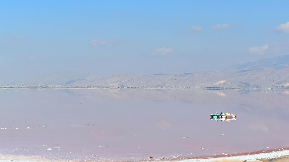 Iran-Shiraz-salt-lake.jpg