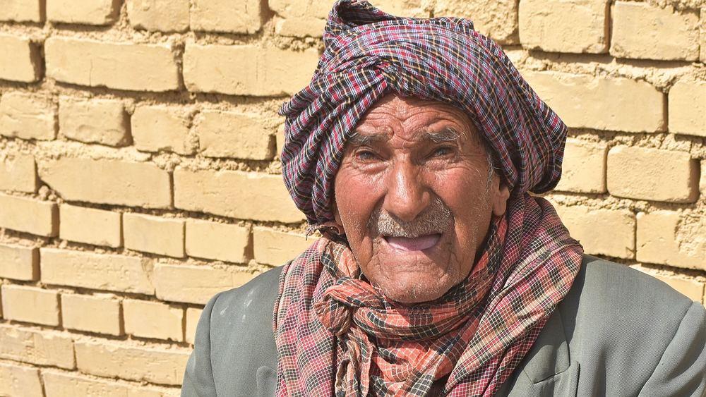 Iran-Yazd-Zoroastrian-old-man.jpg