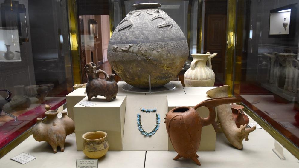 Iran-Tehran-Glass-Ceramics-Museum-pottery.jpg