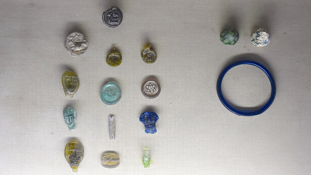 Iran-Tehran-Glass-Ceramics-Museum-jewellery.jpg
