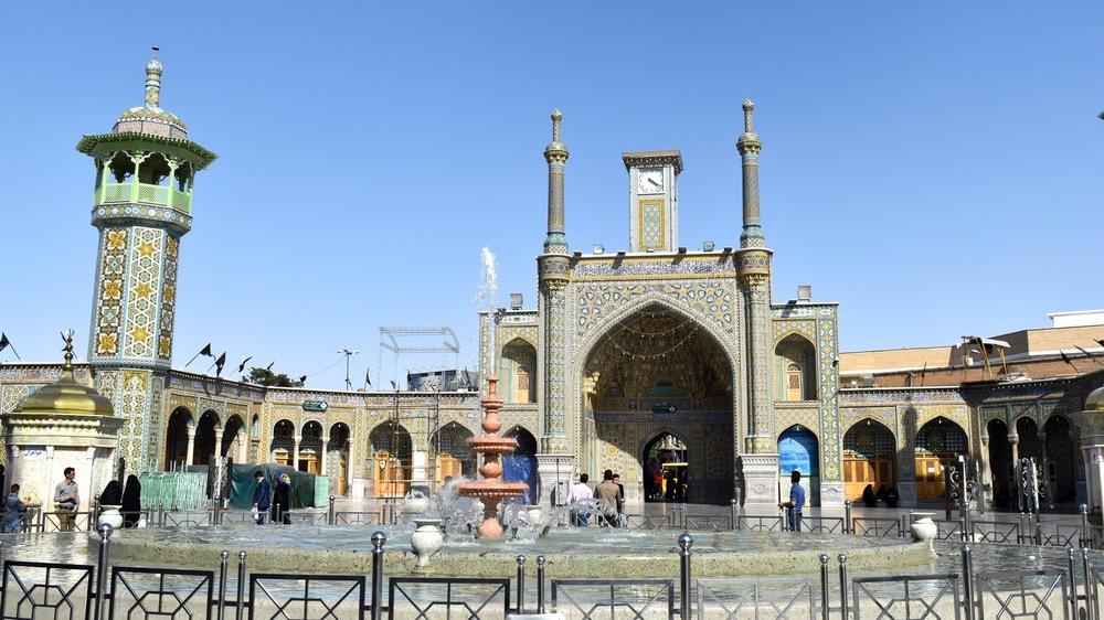 Iran-Qom-Fatima-Masumeh-mosque-4.jpg