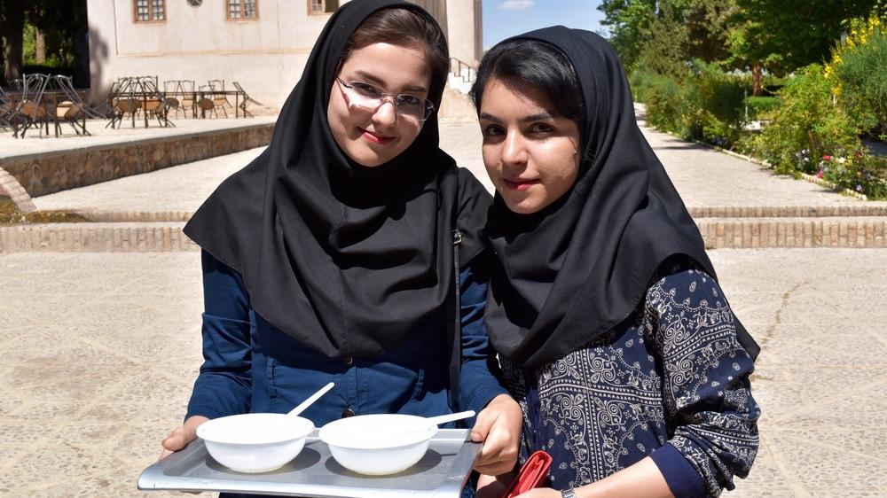 Iran-Kerman-Shazneh-Prince-Garden-girls.jpg