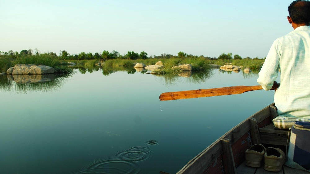 India-MadhyaPradesh-Sarai-at-Toria-river