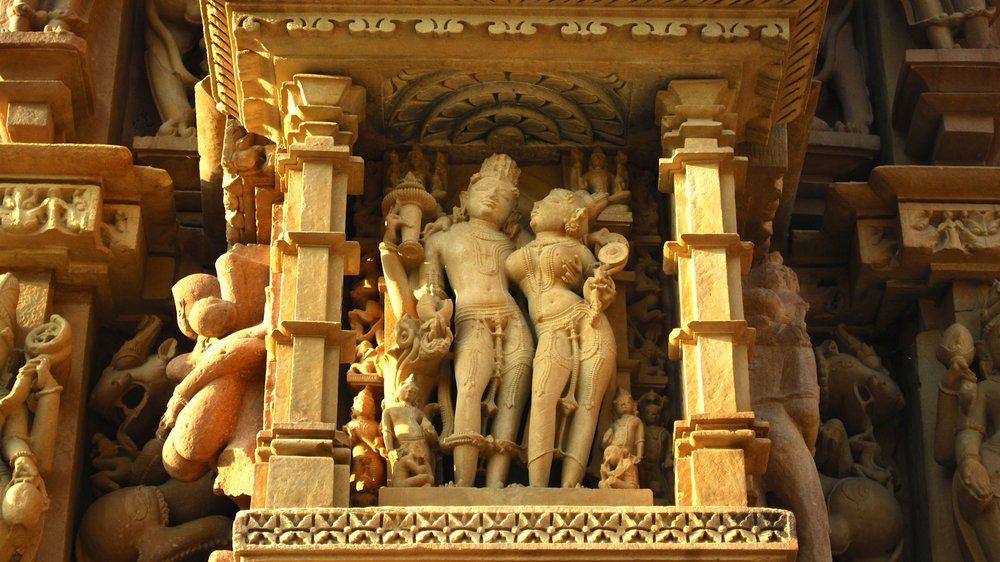 India-Madhya-Pradesh-Khajuraho-lovers.jpg