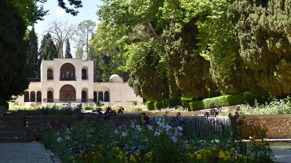 Iran-Kerman-Shazneh-Prince-Garden-flowers.jpg