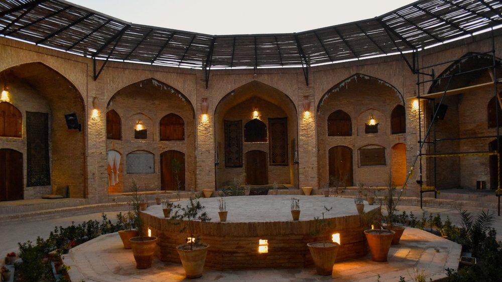 Iran-Zein-o-Din-hotel.jpg
