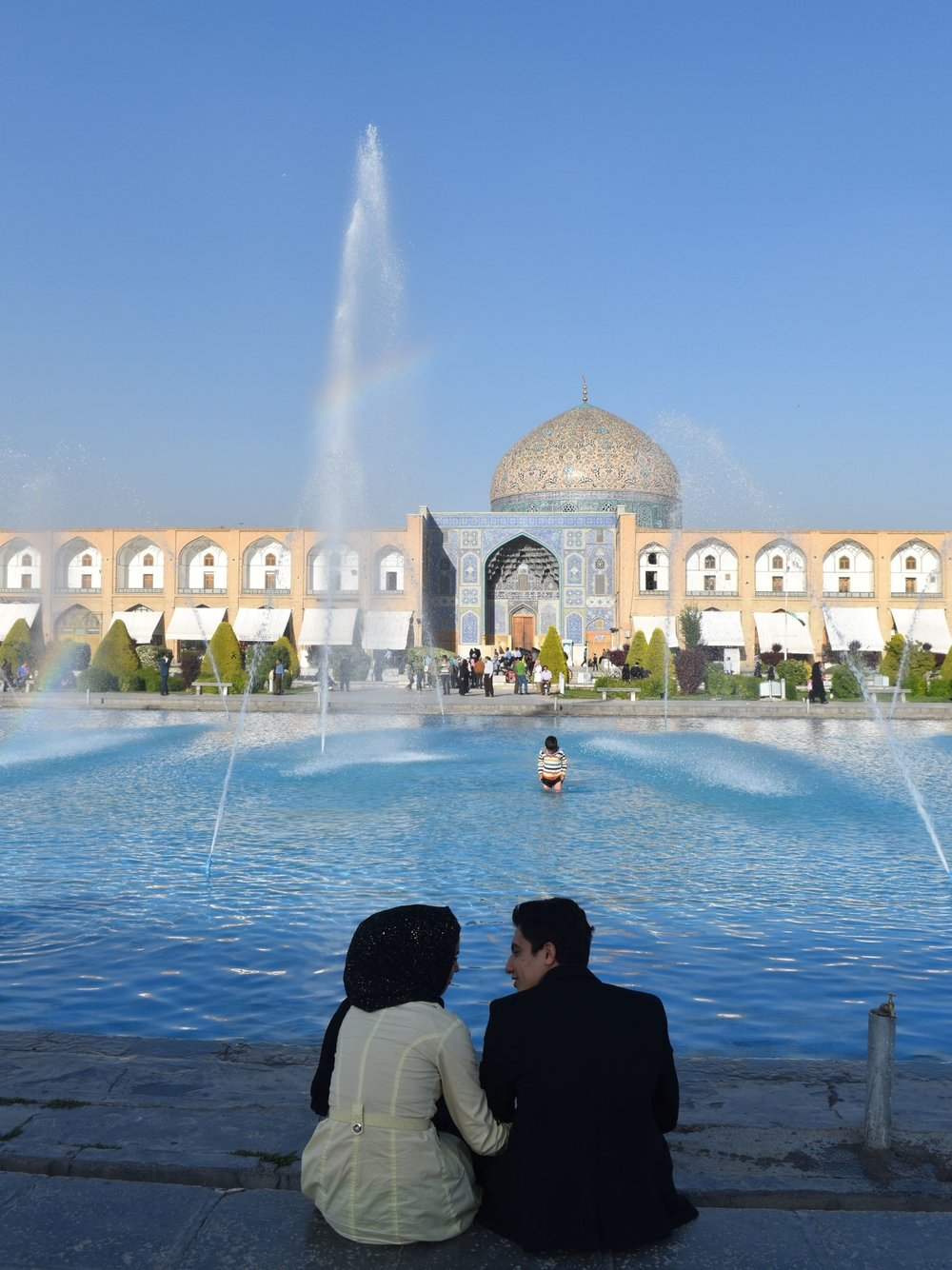 Iran-Esfahan-square-couple