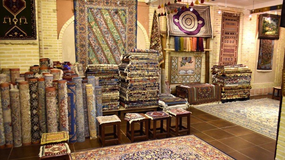 Iran-Esfahan-carpets
