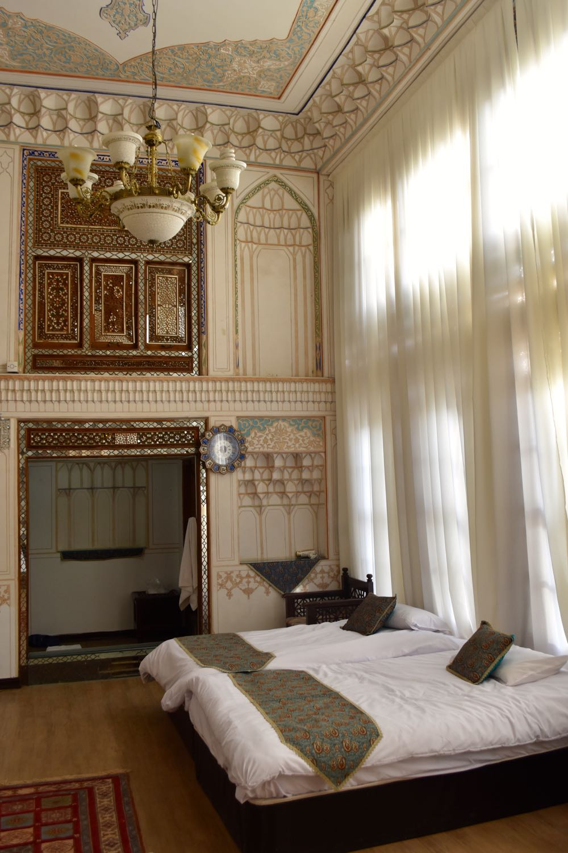 Iran-Esfahan-Atigh-hotel