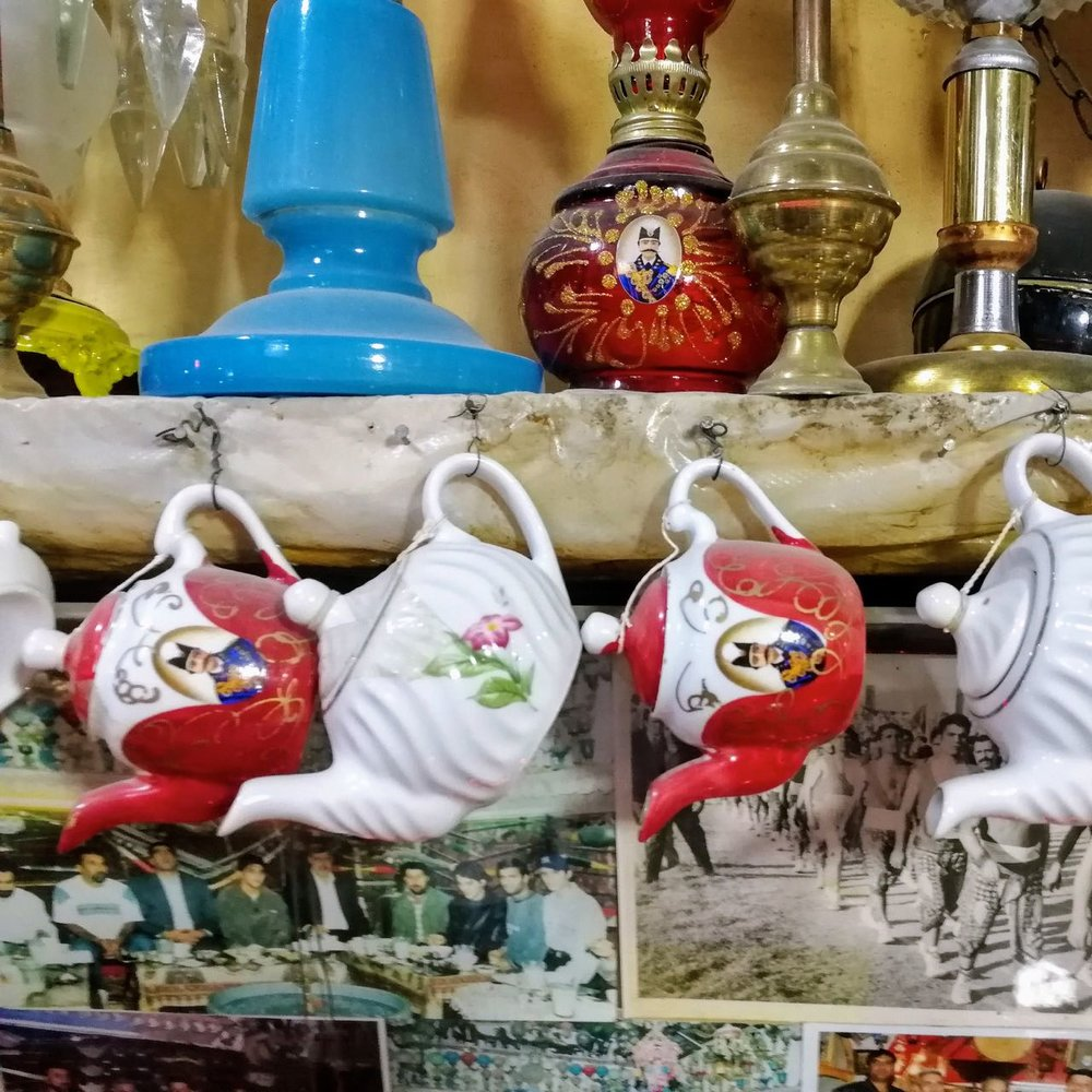 Iran-Esfahan-cafe-teapots.jpg