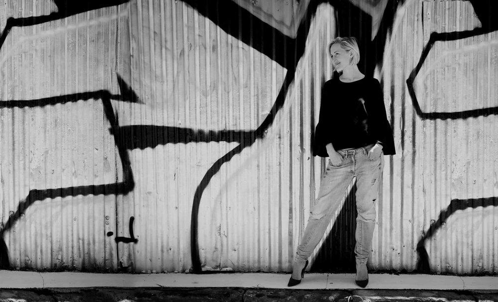04-Julie-wall.jpg