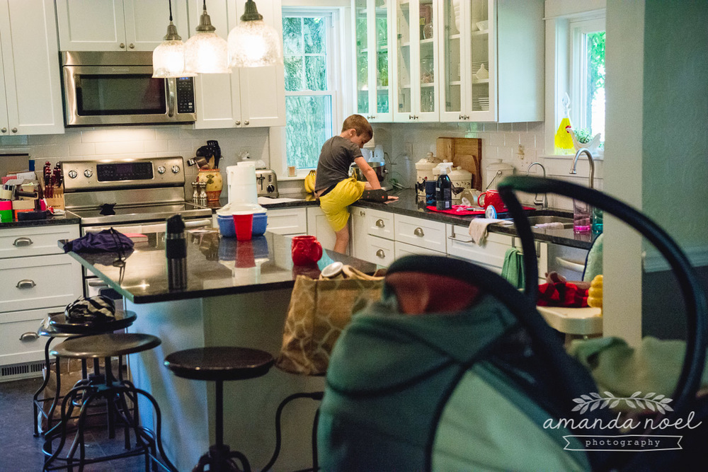 Ohio Documentary Family Photographer | Amanda Noel Photography | day in the life of family of six 3 brothers 1 sister