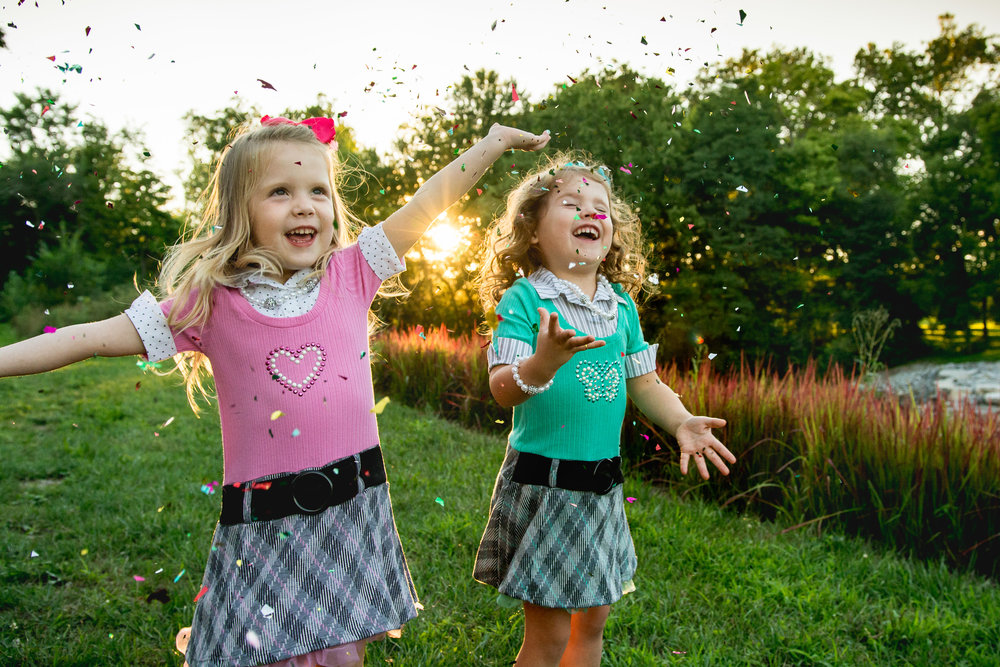 Amanda Noel Photography-lifestyle-four-year-old-twin-girls-springfield-ohio-summer-sunset-glitter-confetti-golden-ohio-Snyder-Park