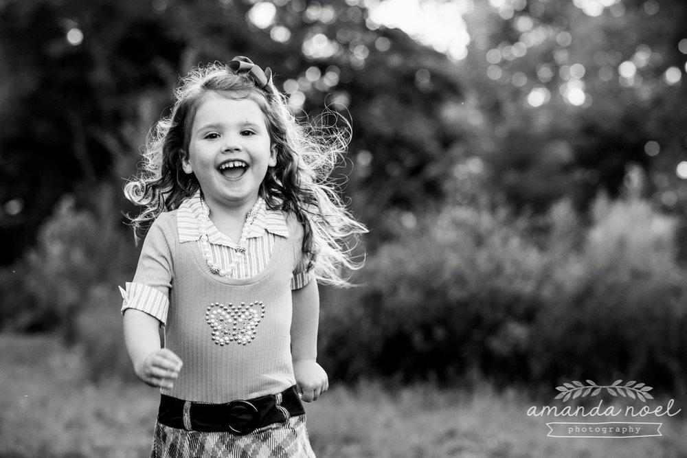 springfield ohio lifestyle family photographer | Amanda Noel Photography | twin girls 4th birthday | girl running | black and white