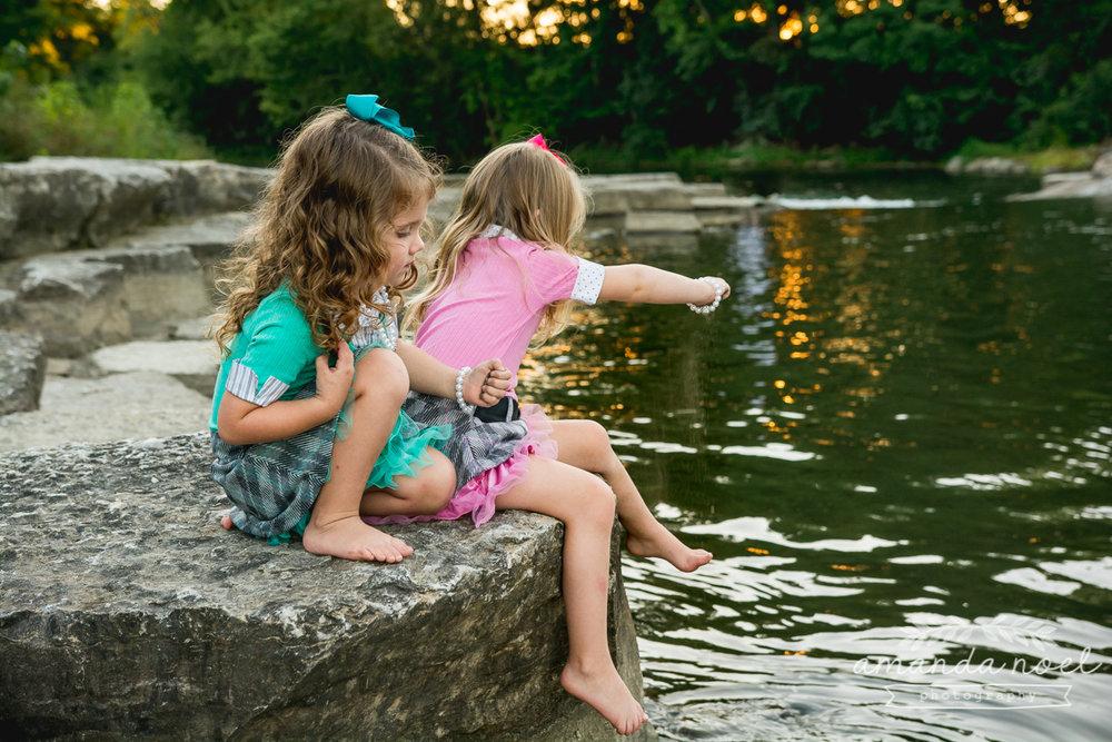 springfield ohio lifestyle family photographer | Amanda Noel Photography | twin girls 4th birthday | girls throwing rocks in water