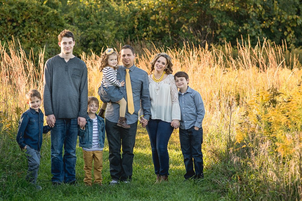 Springfield Ohio Lifestyle Family Photographer | Amanda Noel Photography | big family sunset field session