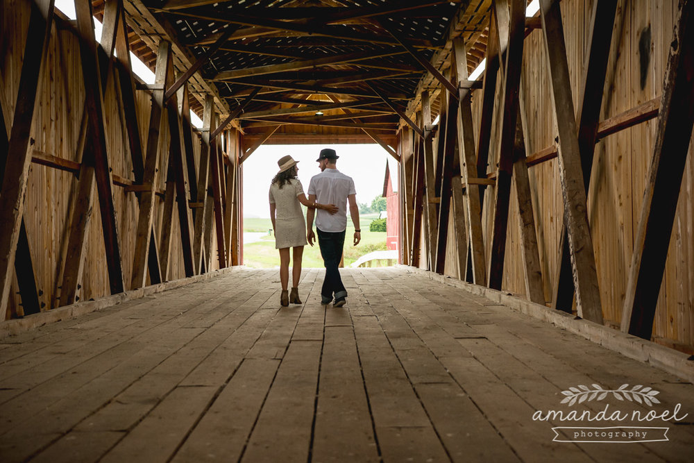 Springfield Lifestyle Engagment Photographer | Amanda Noel Photography | sunset field couple session