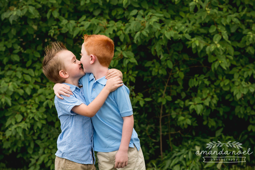 Springfield Lifestyle Family Photographer | Amanda Noel Photography | family of 6 redhead