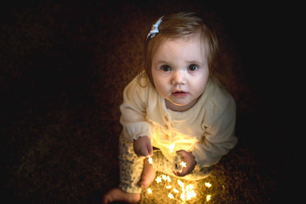 annalise-one-year-Christmas-session-13.jpg