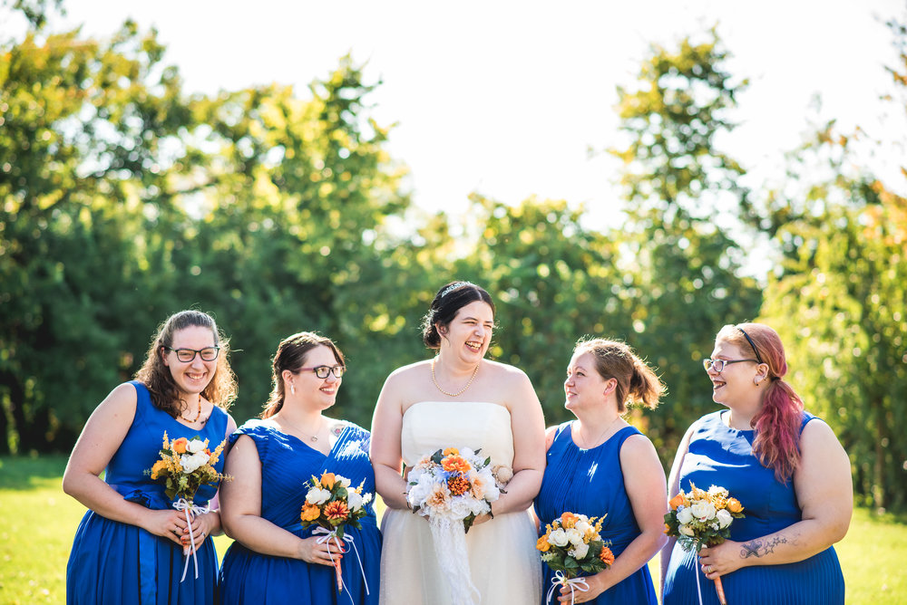 Columbus Ohio Wedding Photography | bride and bridesmaids